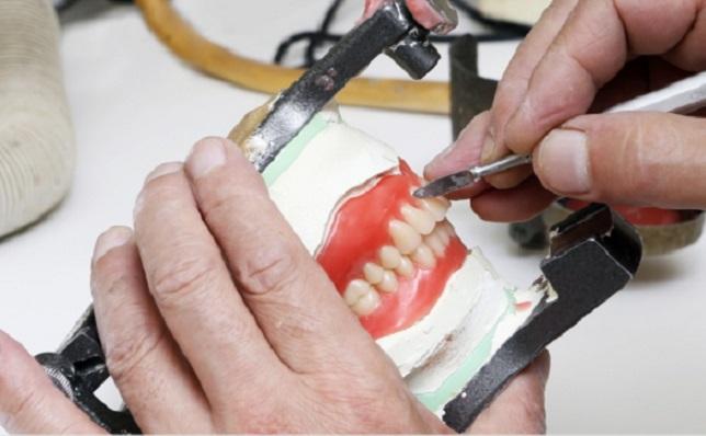 歯科技工士からの転職